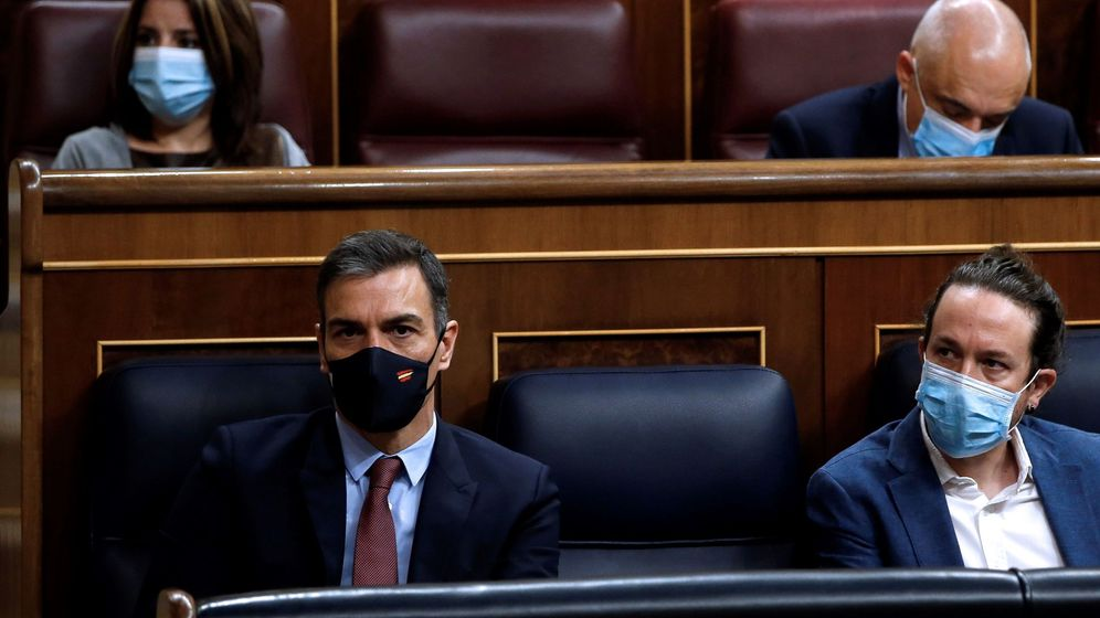 Foto: Pedro Sánchez y Pablo Iglesias, en el Congreso de los Diputados. (EFE)