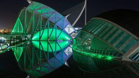 España tiñe de verde más de 70 monumentos para celebrar San Patricio