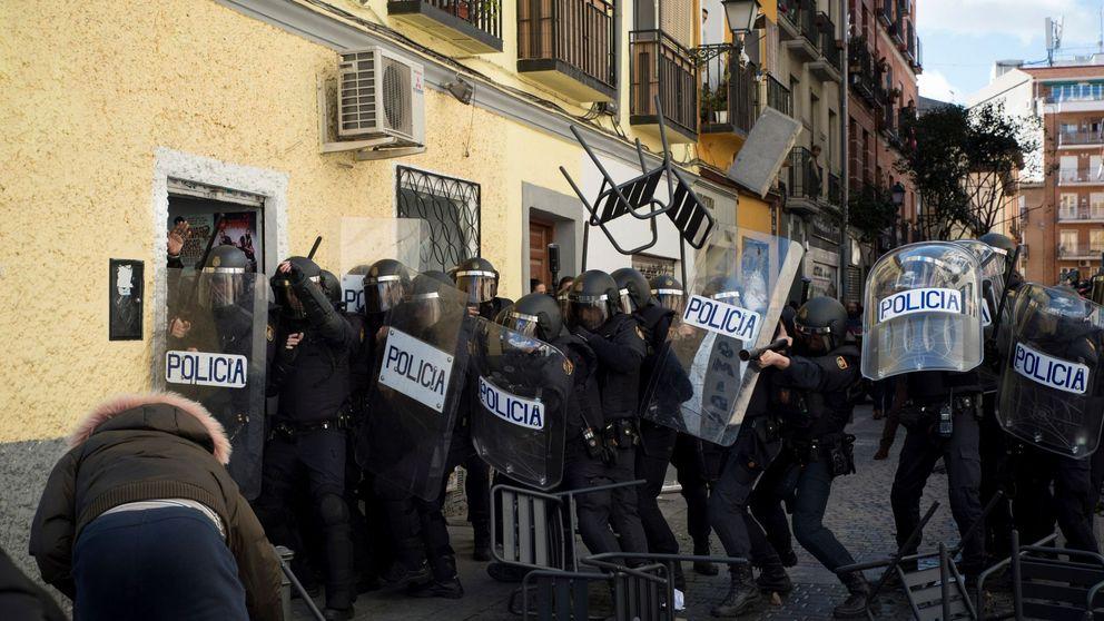 Por qué nadie quiere ser antidisturbios: decenas de policías abandonan la unidad