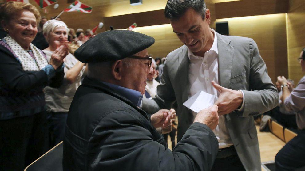 Sánchez quiere que la Carta Magna reconozca el derecho a renta mínima