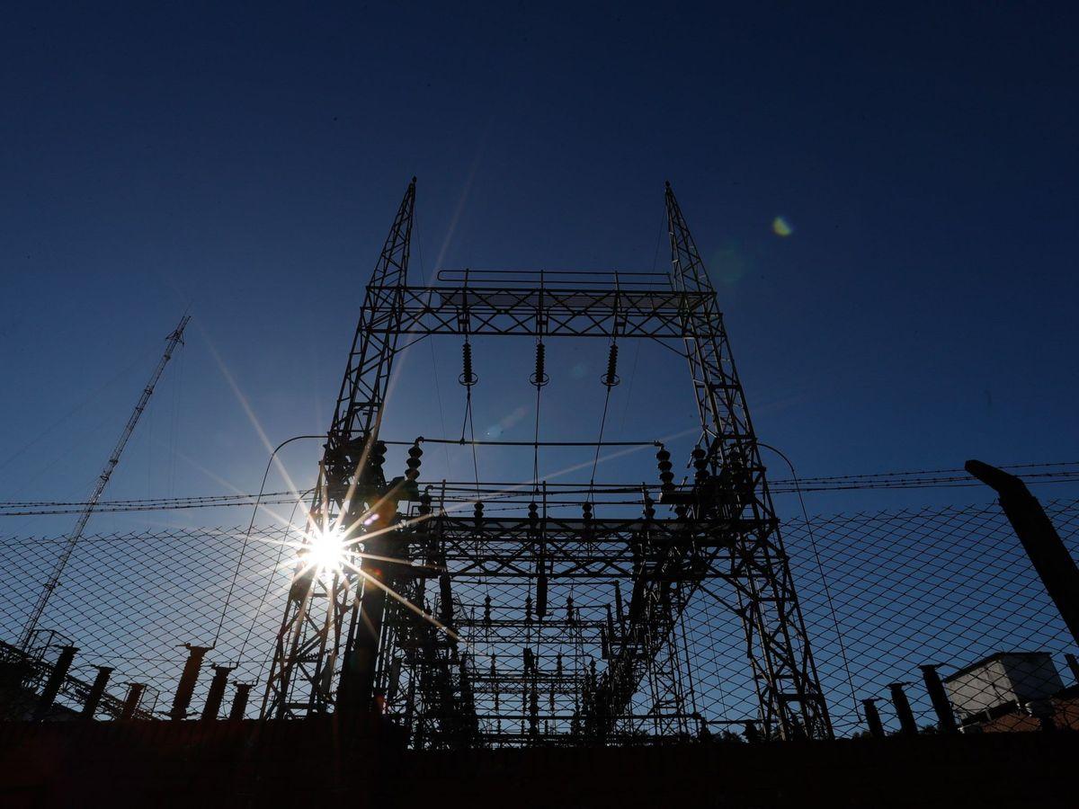 Foto: Foto de recurso de una subestación eléctrica donde se conectarán las nuevas renovables. (EFE)