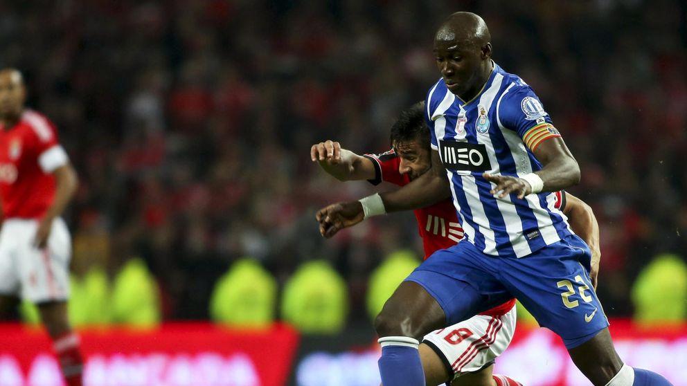 El Atlético piensa en Mangala por si Miranda acepta la oferta del Barça