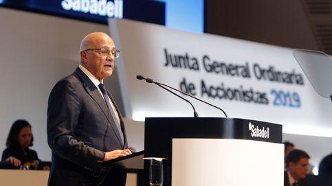 Amundi, BlackRock y Candriam pujan por la gestora de Banco Sabadell