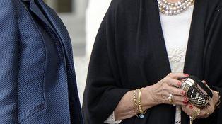 La moderna manicura de la Reina