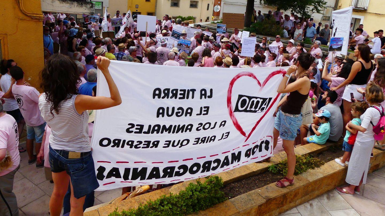 Manifestación en Villalba de la Sierra. (Pueblos Vivos)