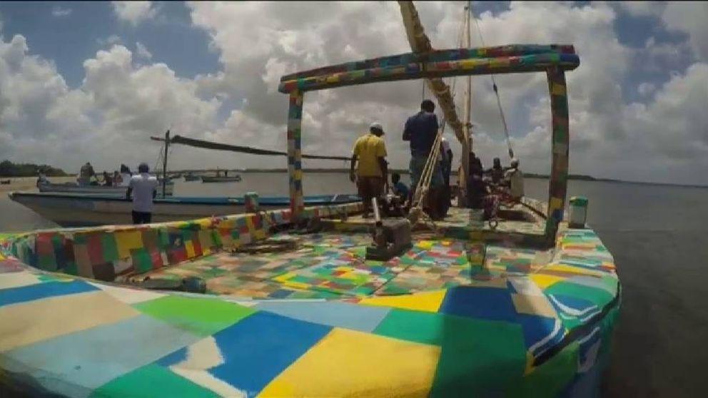 Kenia construye un bote hecho de plástico reciclado para luchar contra la contaminación