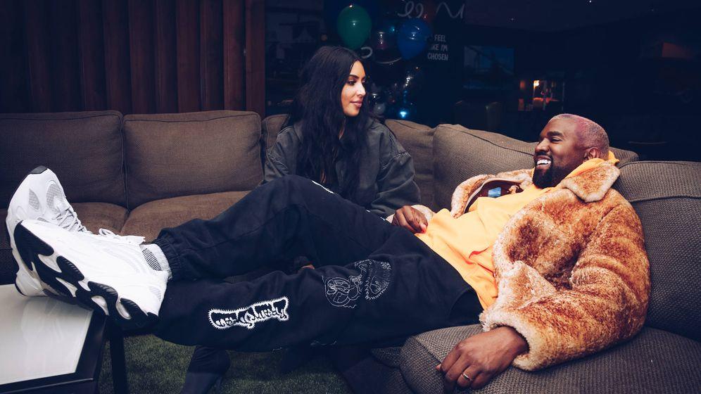 Foto: Kim Kardashian y Kanye West en el tour The Travis Scott Astroworld. (Getty Images)