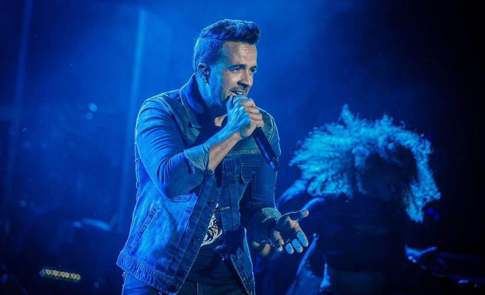 Foto: Luis Fonsi durante el concierto. (Starlite)