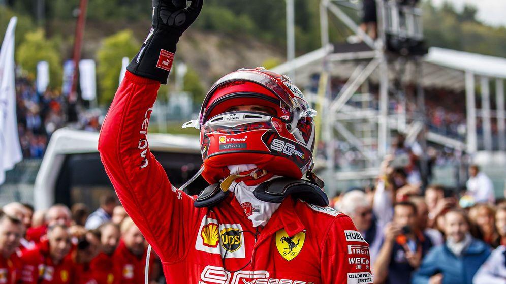 Foto: Leclerc dedicó su primer triunfo en la Fórmula 1 a su amigo fallecido, Anthoine Hubert. (EFE)