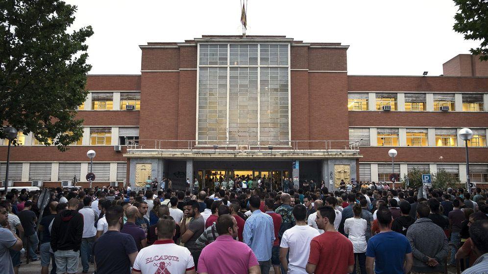 Foto: La entrada a la Facultad de Derecho de la Universidad Complutense de Madrid. (EFE)