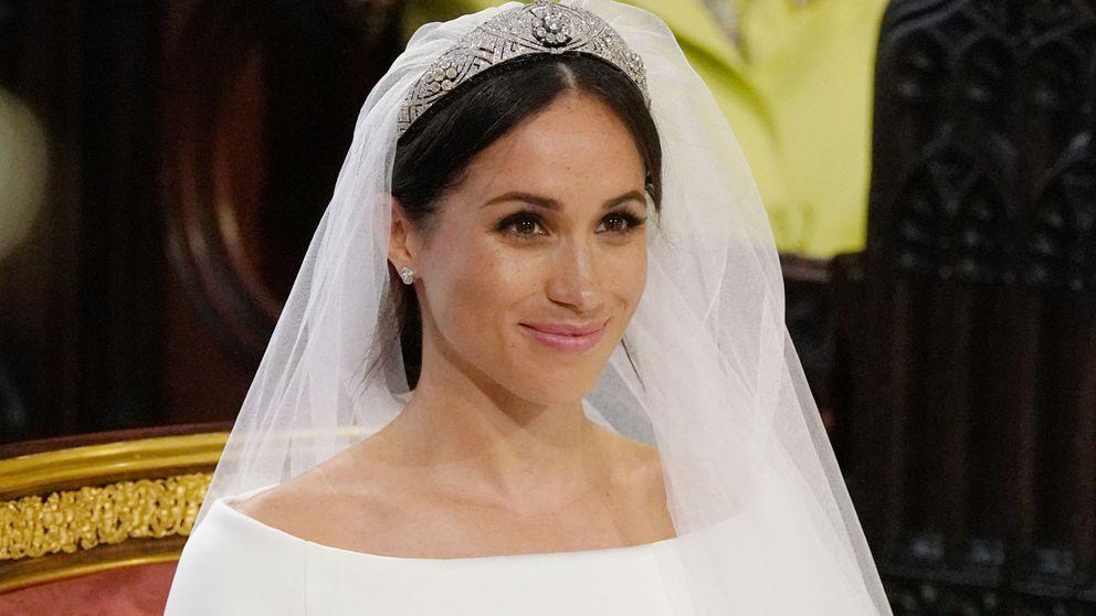 Meghan Markle luce la tiara bandeau de la reina Mary de Teck