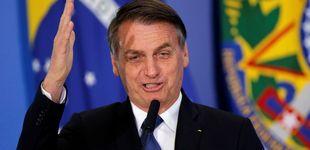 Post de Bolsonaro pide perdón por decirle a una diputada que no merecía ser violada por