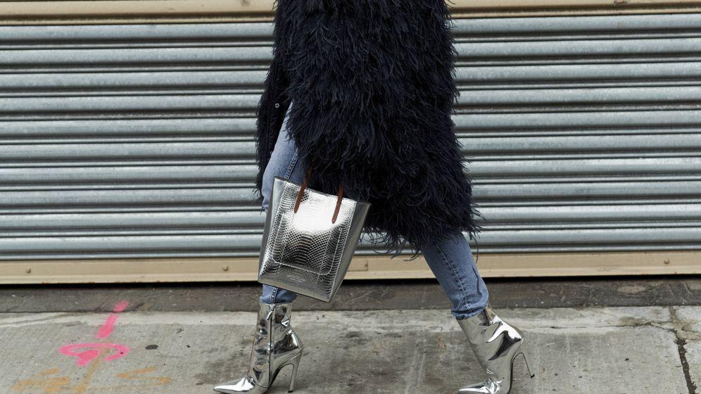 Foto: Como si fueran de otra galaxia, las botas metal se imponen en las calles. (Imaxtree)