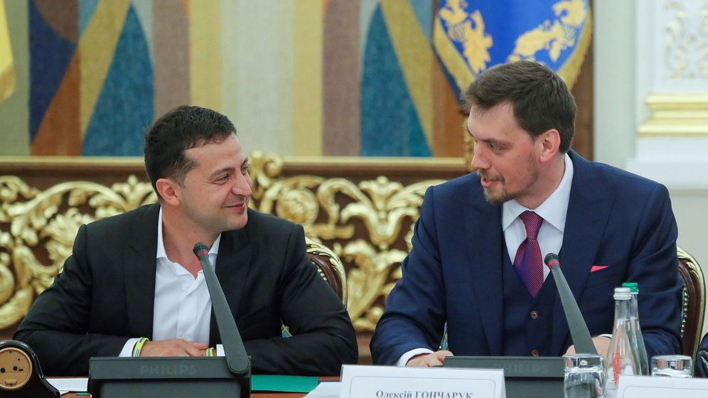 Foto: Vladímir Zelenski, junto a Goncharuk. (EFE)