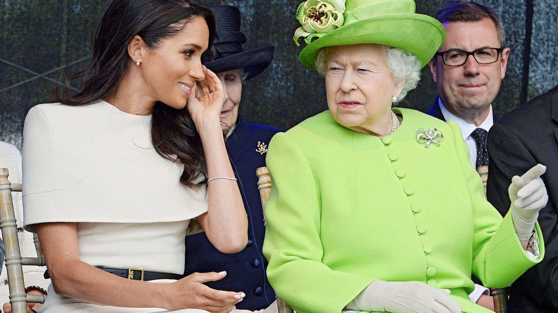 La duquesa de Sussex, con la reina. (Reuters)