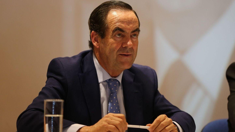 José Bono habla durante una conferencia.  (EFE)