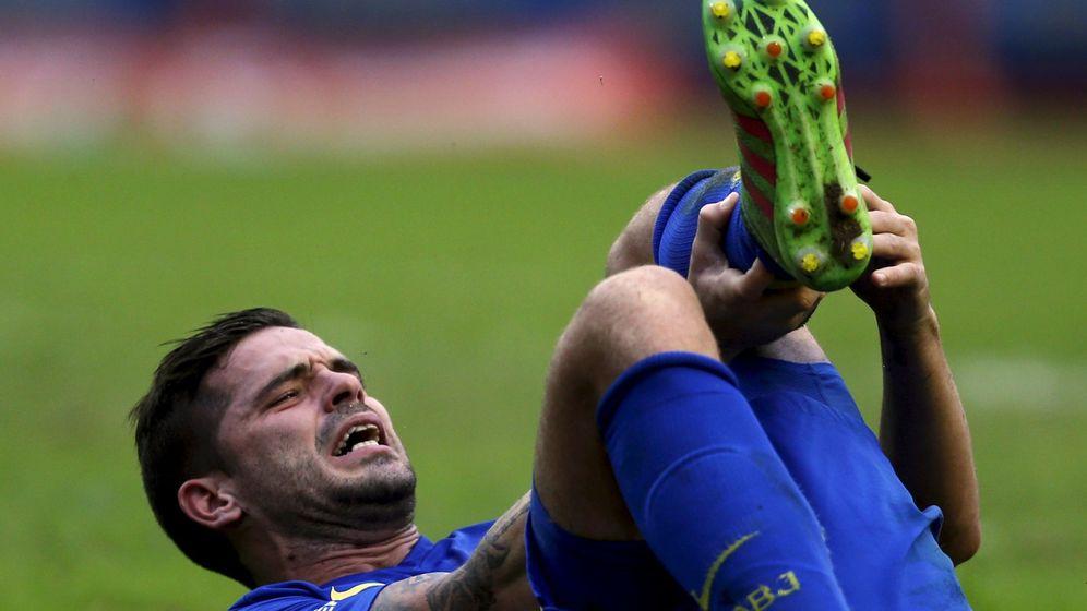 Foto: Fernando Gago se lesiona en el tendón de Aquiles de la pierna izquierda en un partido de Boca Juniors. (Reuters)