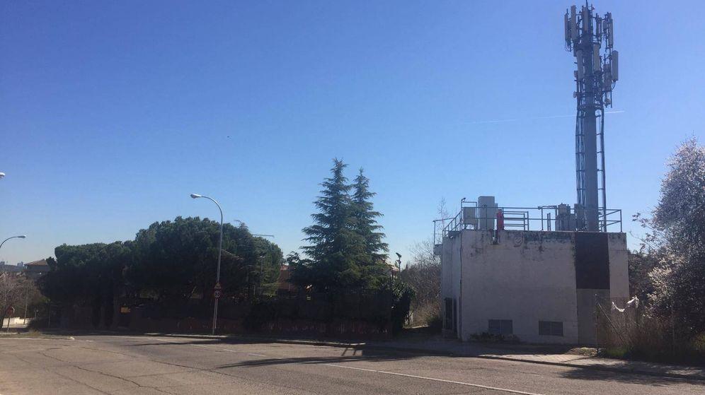 Foto: Repetidor telefónico y transformador de Iberdrola en el que se produjo el incendio el pasado 2 de febrero. (EC)