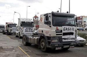 Policía y Guardia Civil evitan que los transportistas entren en en la M-30