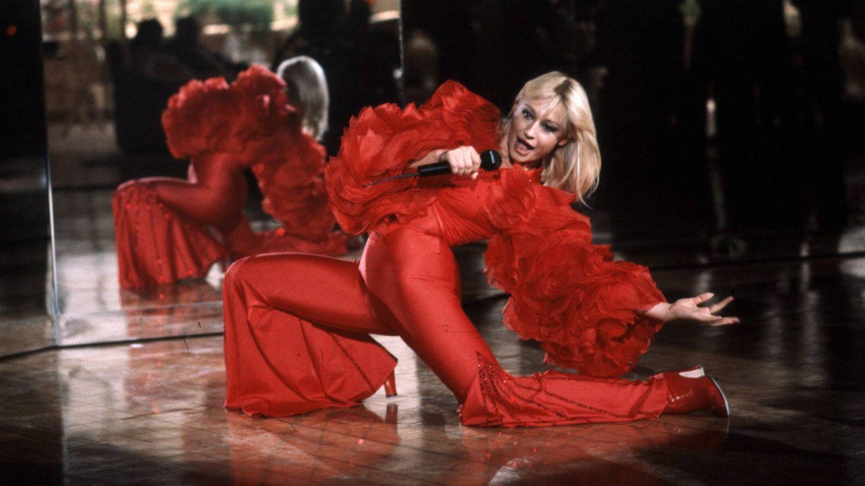 Raffaella Carrà, en una de sus actuaciones. (Cordon Press)