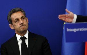 """Sarkozy, el ensañamiento de la justicia y el """"muro de los gilipollas"""""""