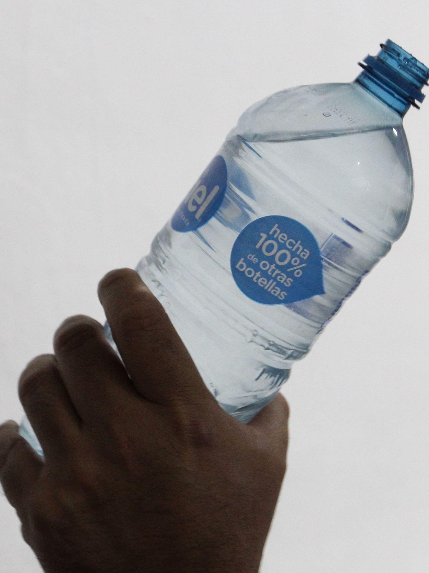 El reciclaje de envases de plástico ha aumentado incesantemente en los últimos años en España. (EFE)