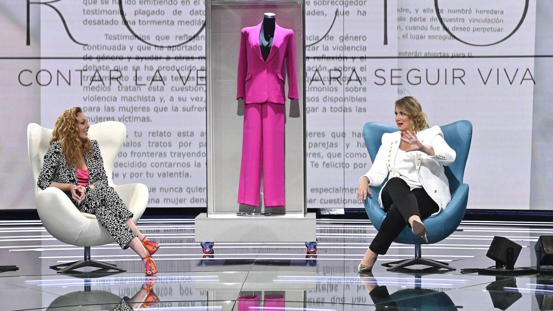 Rocío Carrasco, con Carlota Corredera. (Mediaset)