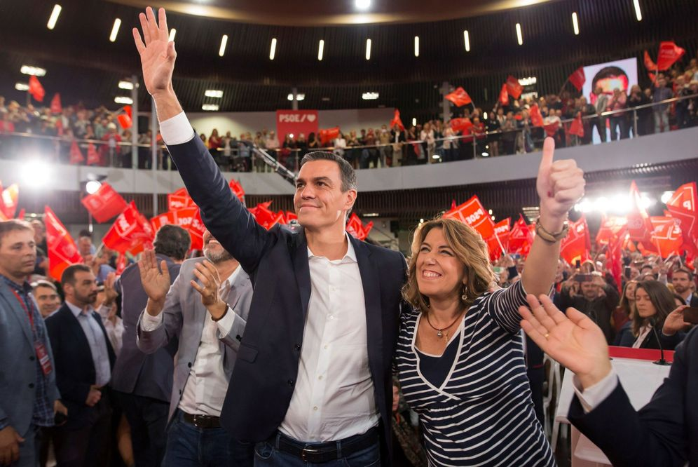Foto: Pedro Sánchez y Susana Díaz, el pasado 6 de noviembre en su mitin de campaña en Torremolinos. (EFE)