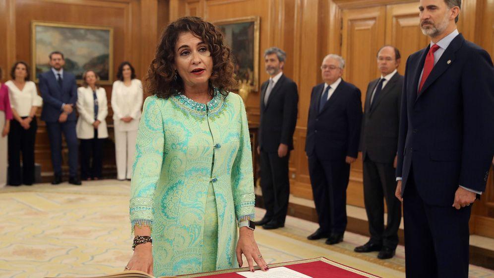 Foto:  María Jesús Montero promete su cargo como nueva ministra de Hacienda del Gobierno de Pedro Sánchez. (EFE)