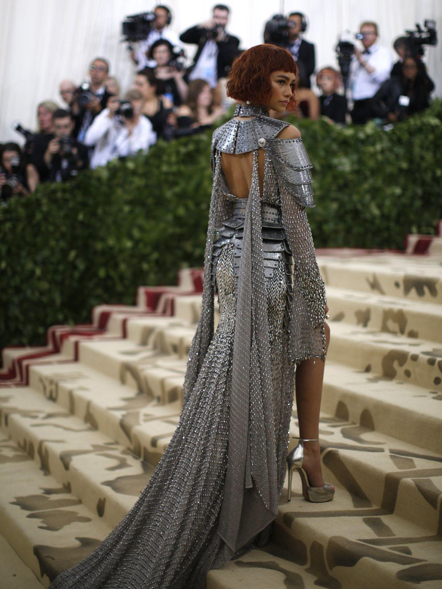 Zendaya, disfrazada de Juana de Arco en la gala del MET 2018. (Reuters)