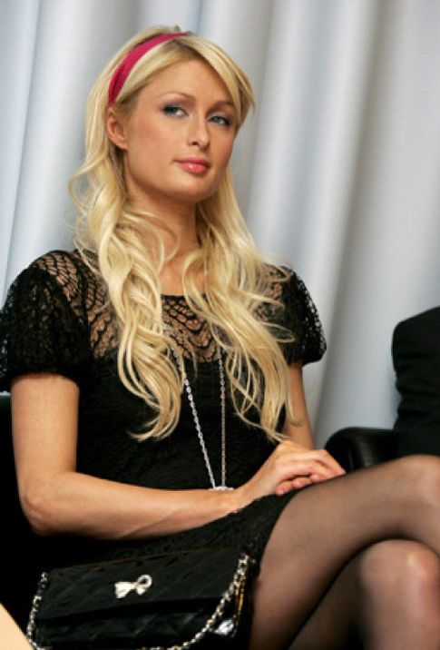 Foto: Paris Hilton estrena disco y novio
