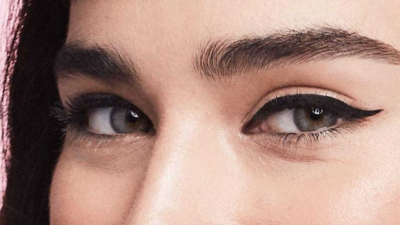 El delineado perfecto existe, pero el eyeliner con el que lo hagas es la clave. (Campaña promocional de Benefit)