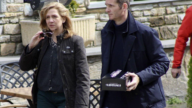 La infanta Cristina e Iñaki Urdangarin pasean por Barcelona. (Getty)