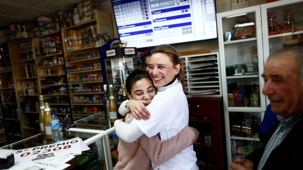 Foto: La amistad entre las dos mujeres las llevará a compartir el premio de 200.000 dólares (Reuters/Jon Nazca)