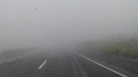 Balizas inteligentes y luces láser: la lucha de Fomento contra la autopista en tinieblas