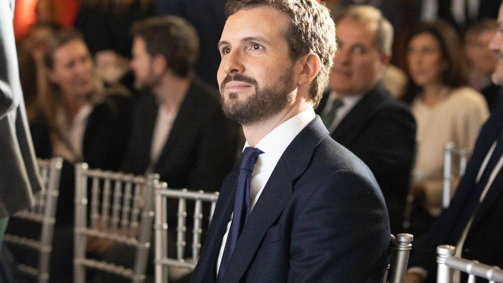 La Junta Electoral archiva sin sanción el envío de SMS de Pablo Casado en campaña