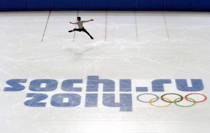Javier Fernández, líder español en Sochi tras un retraso de siete horas