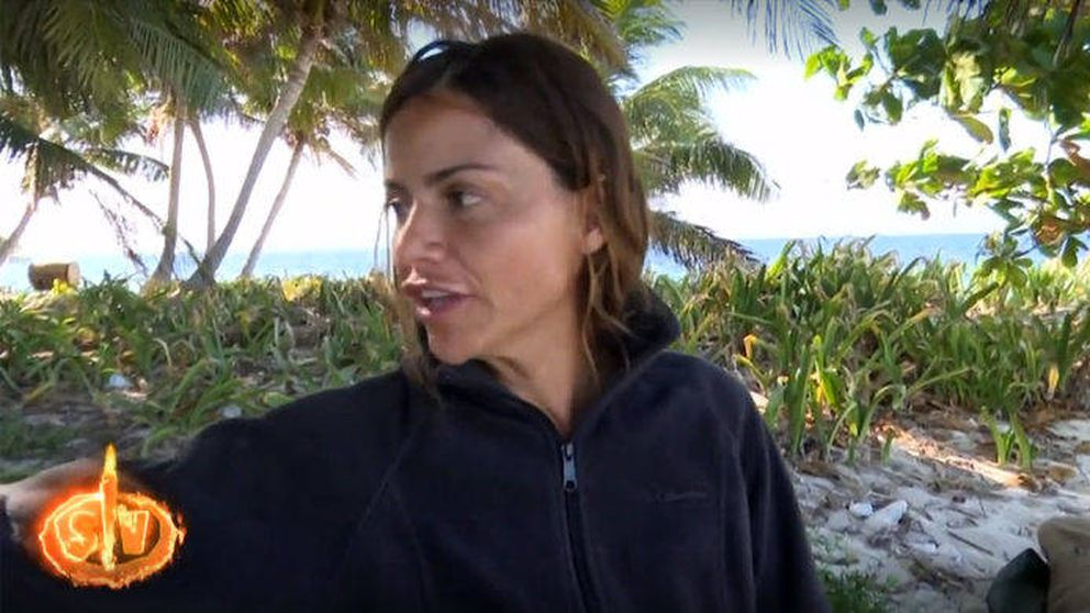 La rajada de Mónica Hoyos sobre Isabel Pantoja (a sus espaldas) en 'SV 2019'