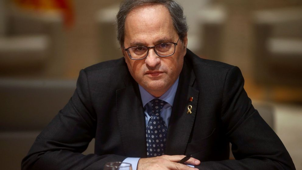 El secretario general del Parlament ordena retirar el escaño a Quim Torra