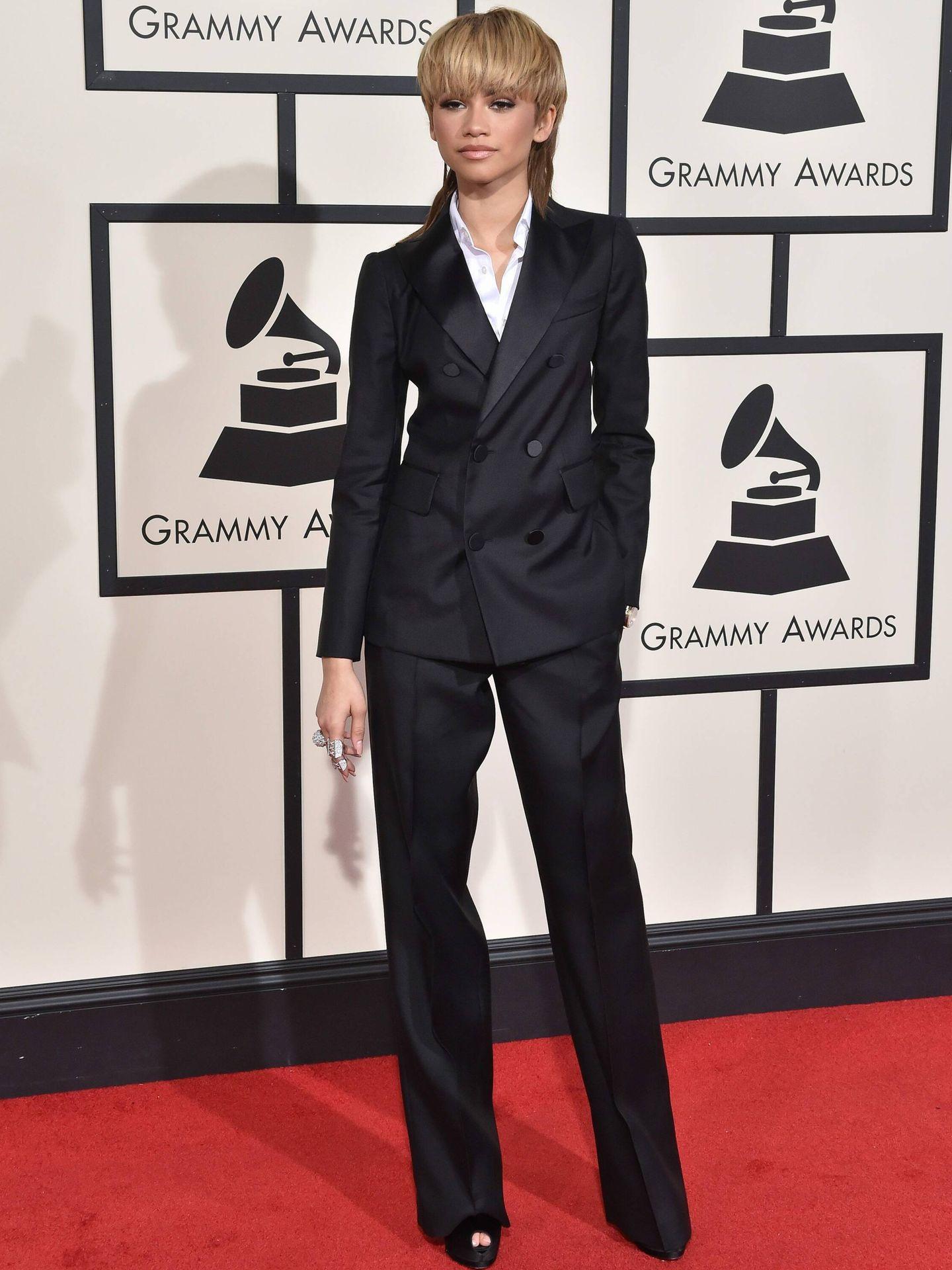 Zendaya, en la alfombra roja de los Grammy de 2016. (Cordon Press)