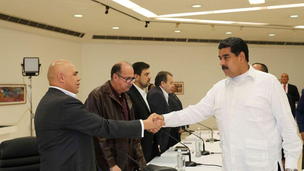 Foto: Nicolas Maduro y Jesús Torrealba. (Reuters)