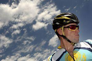 Armstrong tendrá tres ciclistas españoles en su equipo