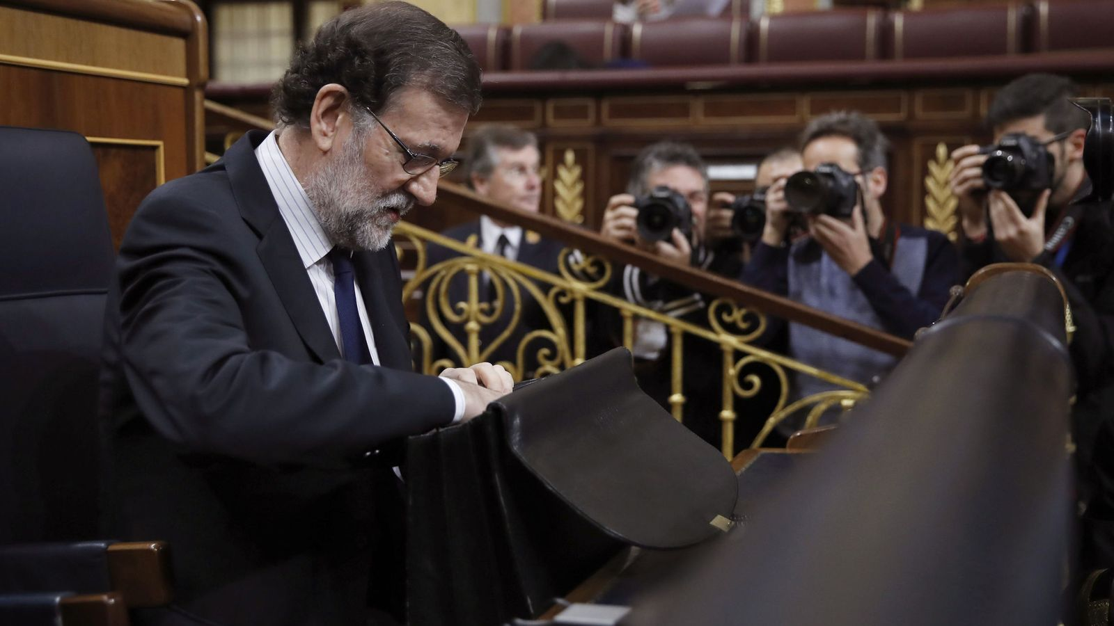 Foto: El presidente del Gobierno, Mariano Rajoy, a su llegada esta mañana al Congreso de los Diputados. (EFE)