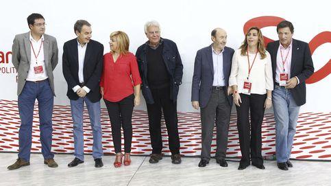 El PSOE se refuerza con históricos: exhibe a Zapatero y consulta a Rubalcaba y Bono