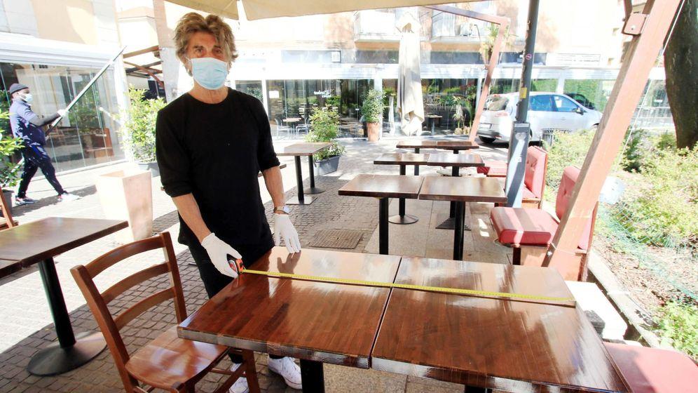 Foto: Un restaurante se prepara para la desescalada del confinamiento en Italia. (EFE)