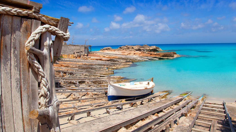 Es Caló, donde duermen los barcos. (Cortesía Restaurante Es Caló)