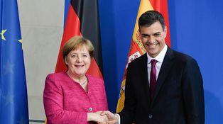 Verano del 18: Merkel y Sánchez, el flechazo