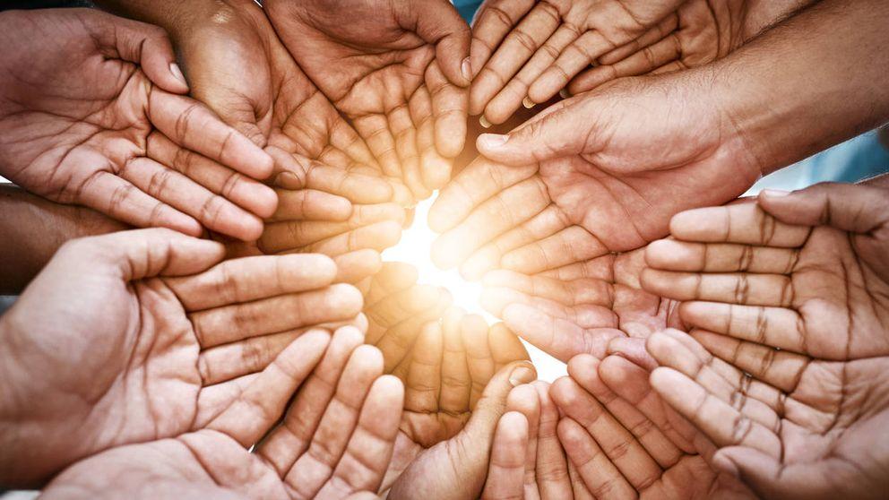 Los 7 valores morales que unen a todos los seres humanos, según Oxford