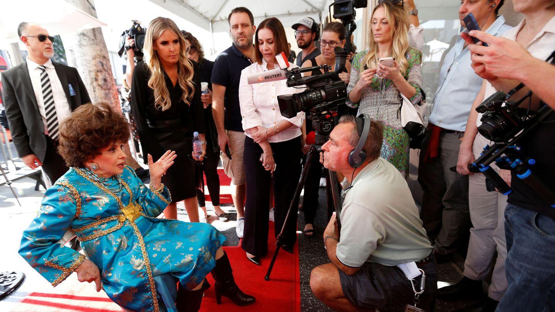 Gina concediendo entrevistas después de tener una estrella en el paseo de la fama de Hollywood este 2018. (Reuters/Mario Anzuoni)
