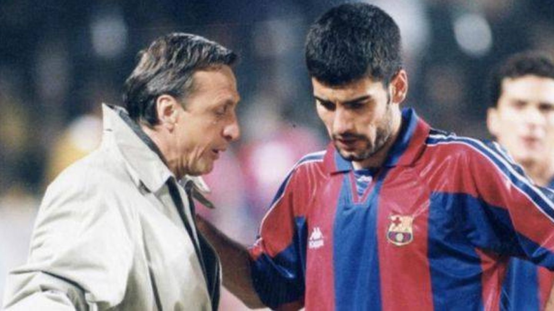 Johan Cruyff y Pep Guardiola, durante su etapa como entrenador y jugador en el FC Barcelona.